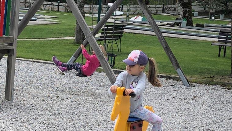 Schaukel-Spielplatz