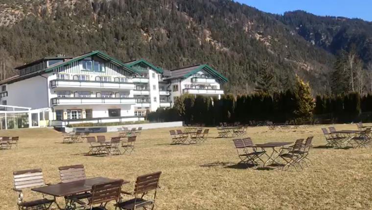 """Mit """"Abstand"""" das Beste Take-away: Essen to-go mit Sitzmöglichkeit beim Alpenhotel Speckbacher Hof"""